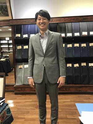 いつもスーツを仕立てて頂いてありがとうございます。